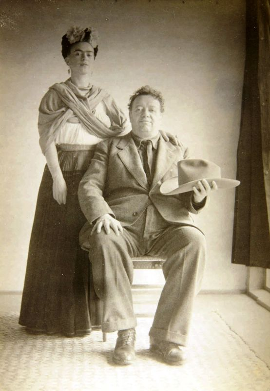 This 1940's portrait of artists Frida Kahlo and Diego Rivera provided by Sotheby's is part of a photograph collection by Nicholas Muray up for auction. (Photo: AP)