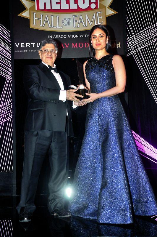 Receiving an award from actor Kareena Kapoor Khan pic courtesy: Hello! India Magazine.
