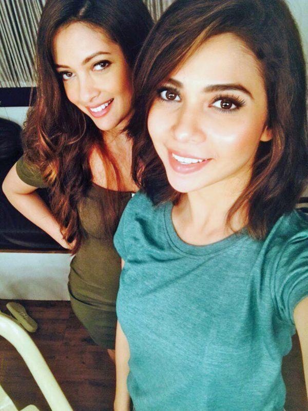 Shreya and actress Riya Sen from the sets of Ragini MMS 2.2.