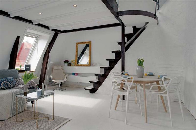 White walls give a feeling of space