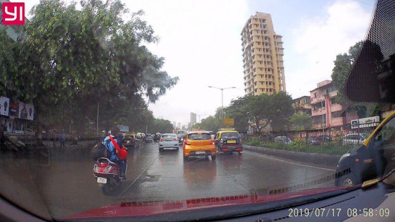 Yi Dash camera on road