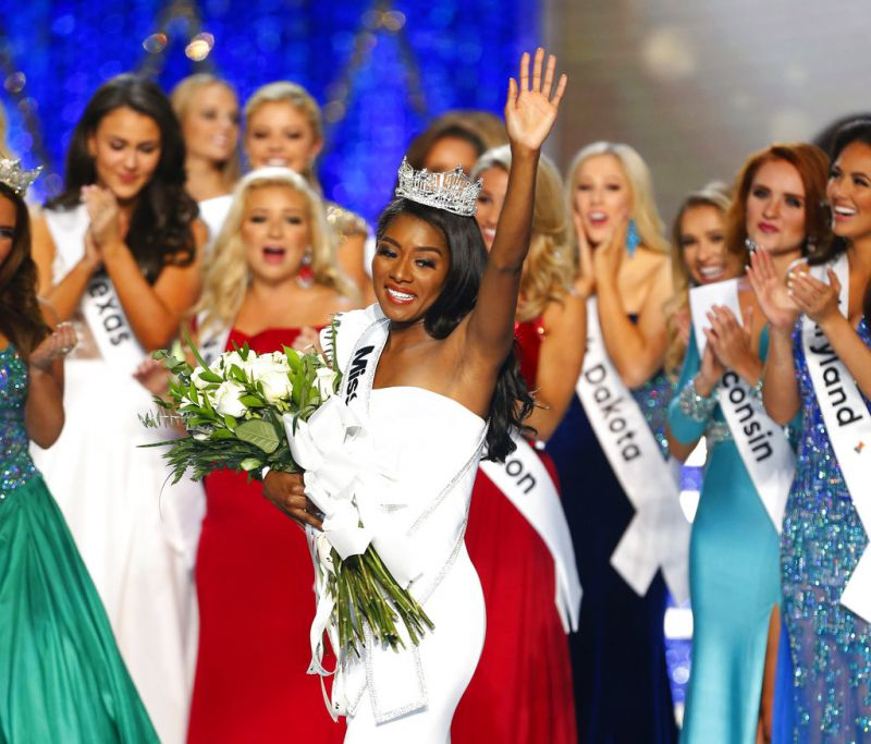 Miss New York Nia Franklin reacts after being named Miss America. (Photo: AP)