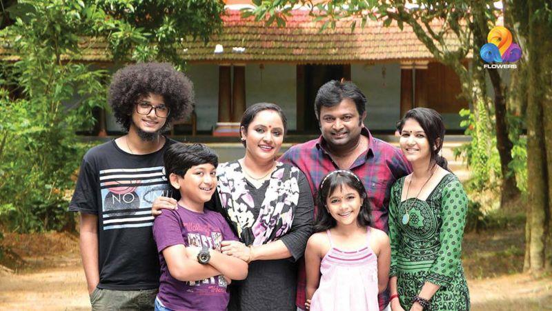Uppum Mulakum actress accuses director of harassment