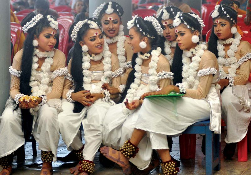Participants of group dance in a leisure mood waiting for their turn at the CBSE State Youth Festival 2019 at Carmel Public School, Vazhakulam on Friday  (Photo: SUNOJ NINAN MATHEW)