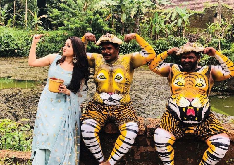 Not so serious: Bhama's fun-filled moments with pulikali performers