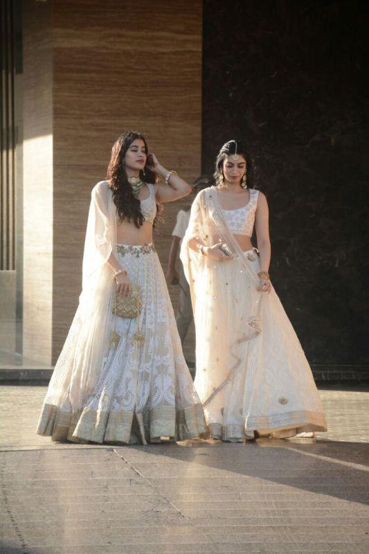 Janhvi and Khushi Kapoor at Sonam Kapoor's Sangeet.