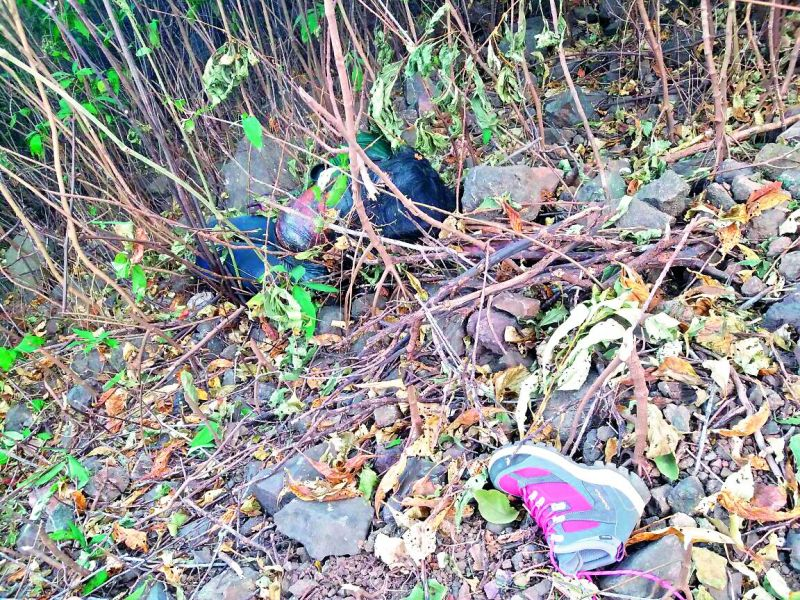 Remains of equipment carried by Hyderabad trekker Rachita Gupta Kanodia lie scattered at the site from where her body was recovered (Photo: via Web)