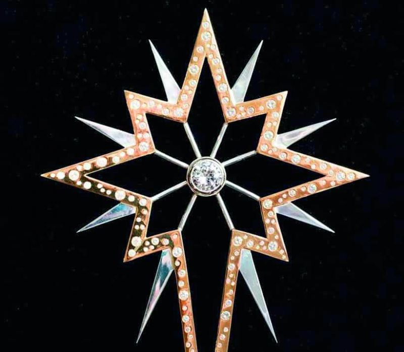 Diamond-Studded Christmas