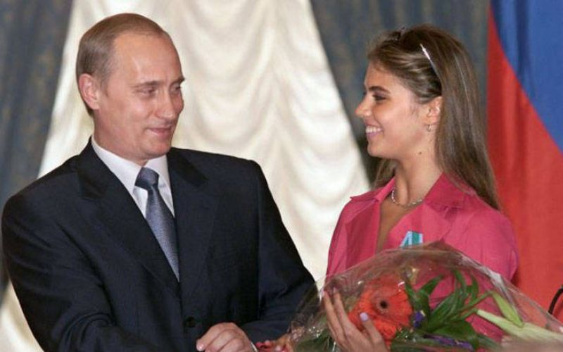 Vladimir Putin and Aline Kabaeva in 2004. (Photo:AP)