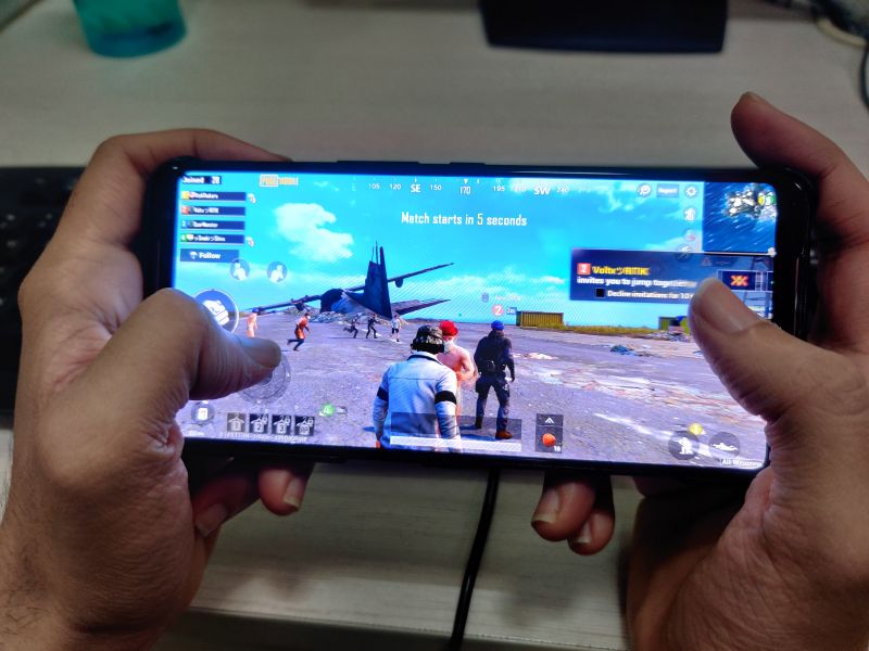 ROG Phone II gaming Review