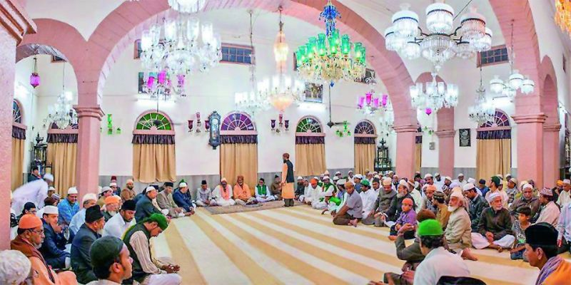 Devotees inside the dargah.