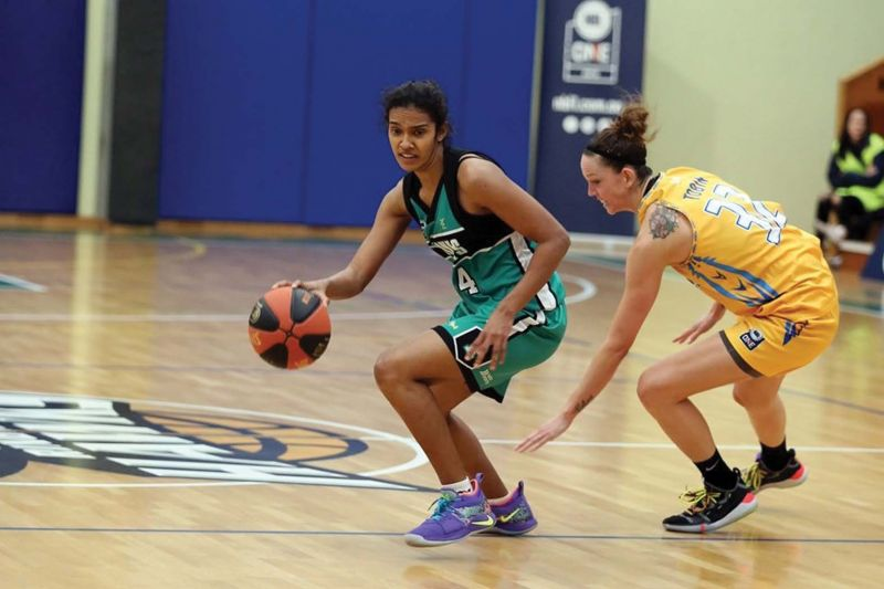 Jeena in action for Ringwood Hawks