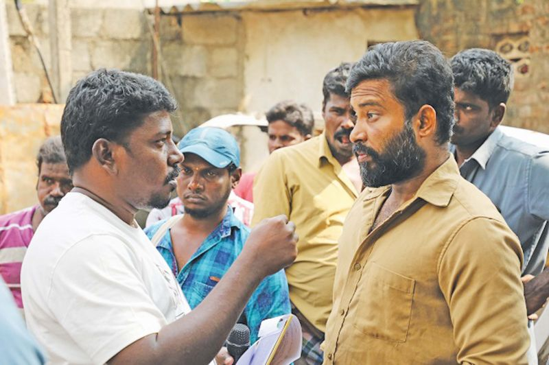 Athiyan Athirai on the set