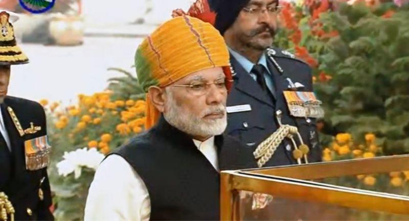 Prime Minister Narendra Modi pays tributes to martyrs at Amar Jawan Jyoti. (Photo: Screengrab)