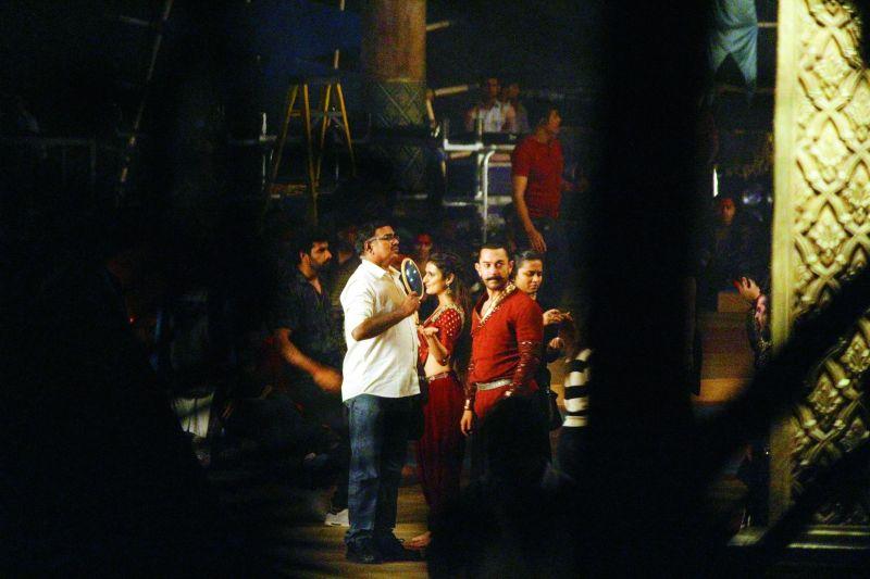 Aamir Khan look