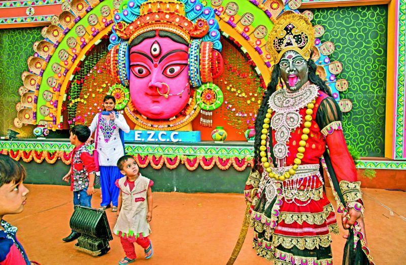 Behroopiya dressed as Kali Maa (Photographed in 2015 on a digital camera).