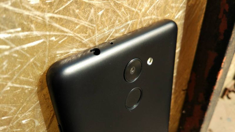 10 or D review: A stock Android treat on a very tight budget