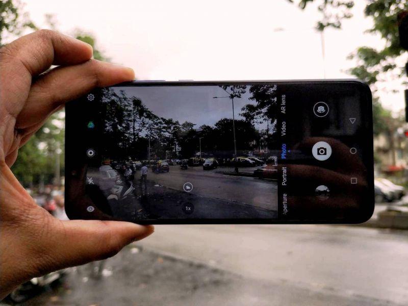Huawei Nova 3 (Deccan Chronicle)