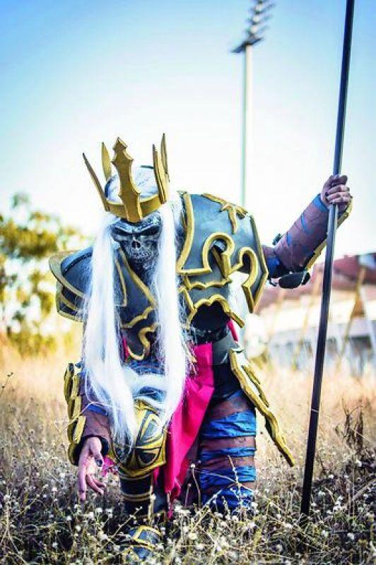 Zohair Khan a.k.a. Kiwi Lemon Sorbet and his Skelton King Leoric cosplay.