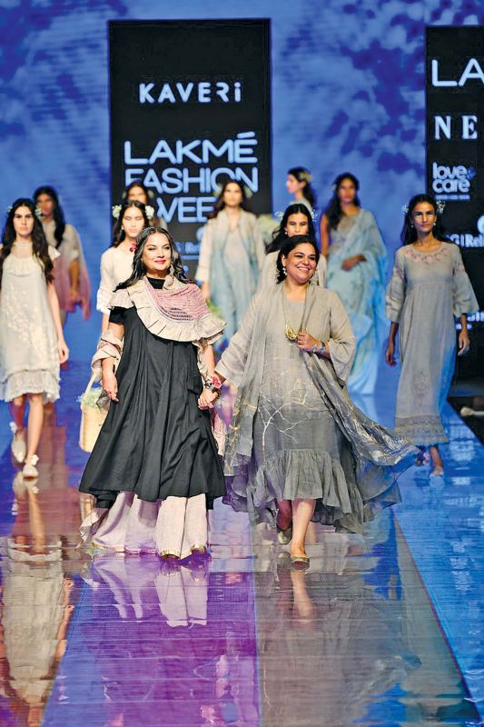 Kaveri along with other models walked the ramp