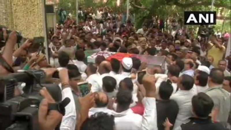 'Sheila Dixit Amar Rahe' echoed among people as her remains were taken to the Congress HQ. (Photo: ANI)