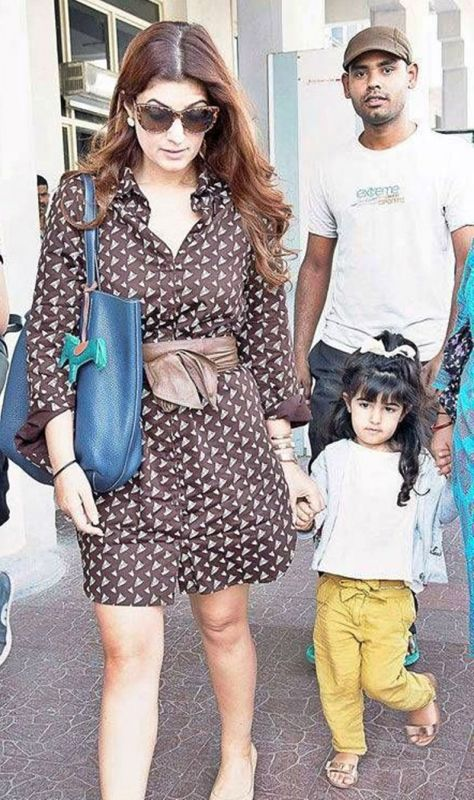 Twinkle Khanna with daughter Nitara.
