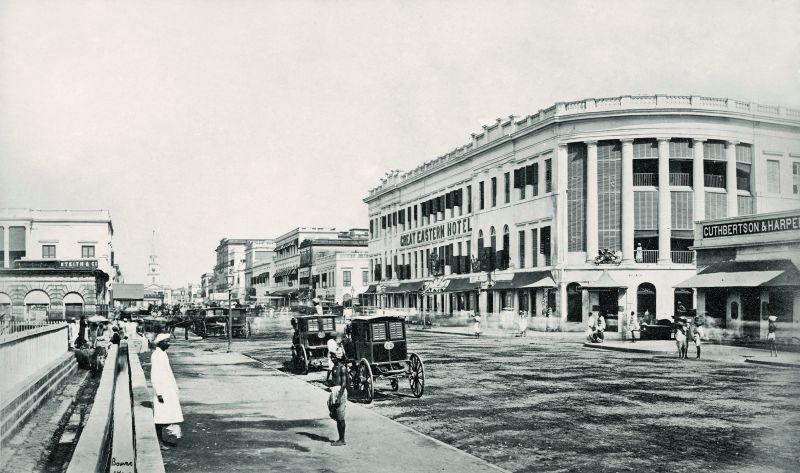 Kolkata (formerly Calcutta), Old Court House Street, 1867.