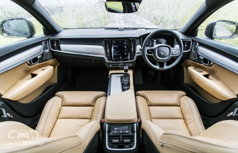 Volvo Introduces V90 Cross Country At Rs 60 Lakh