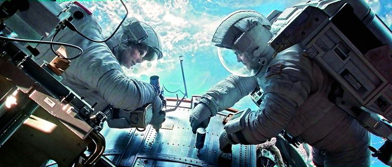 Gravity: Gravity, that was directed by Alfonso Cuarón, was set almost entirely in space. The movie, whose visual effects were  critically and commercially acclaimed, went on to win multiple Oscar awards, including Best Picture and Best Visual Effects.