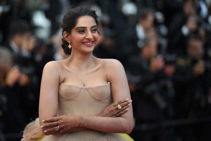 Nude Photo Of Sonam Kapoor