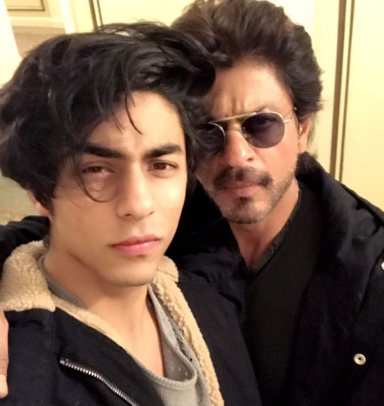 Post Dear Zindagi, Shah Rukh Khan and Aryan catch up for Thanksgiving