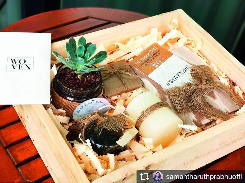 On her Instagram account Samantha posted the picture of the invitation box of Woven Fashion Show 2017 filled with organic goodies sent out to guests.