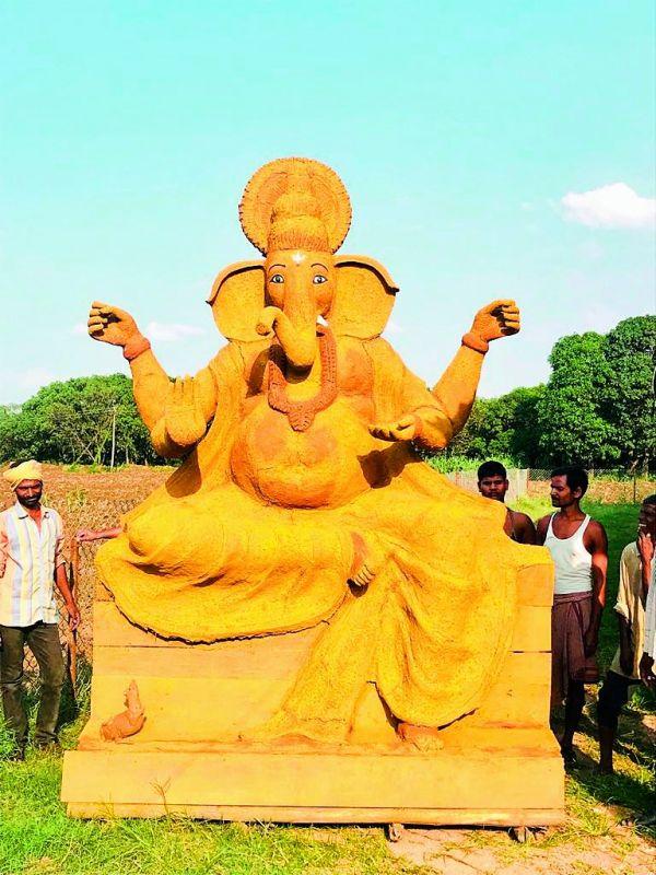 Klimom's 15-ft Gomaya Ganesha idol