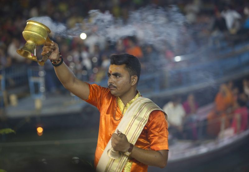An Indian priest perform rituals during a prayer ceremony dedicated to the Ganges River, holy to Hindus, Ganga Dussehra festival in Varanasi, India, Thursday, May 24, 2018. Hindus across the country celebrate Ganga Dussehra by worshiping the River Ganges, which is considered the most sacred and the holiest river for Hindus. (Photo: AP)