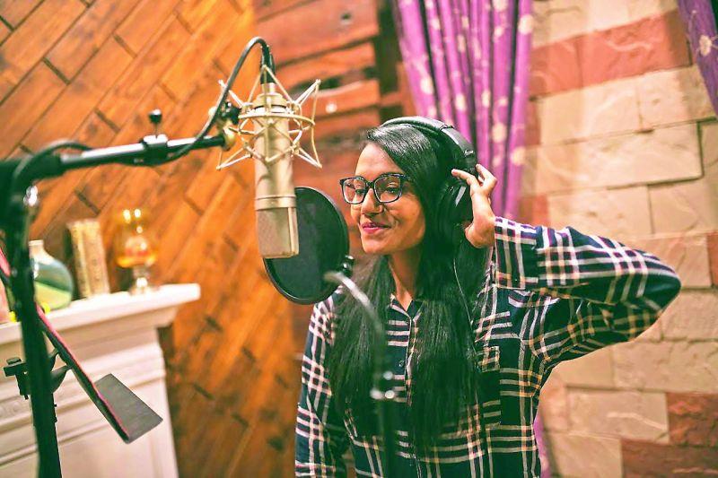 Dee MC (Deepa Unnikrishnan)