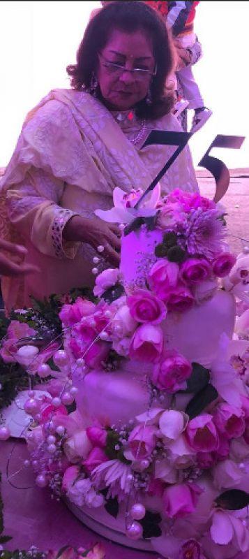 KJo's mom turns 75: Kajol, Rani, Kareena, Sidharth, others, songs, tears make it grand