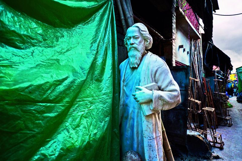 Tagore is alone today, Kolkata 2013