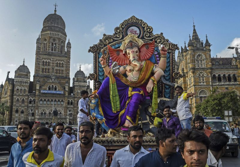 A Ganesh idol being taken to the marquee in Mumbai. (Photo: PTI)