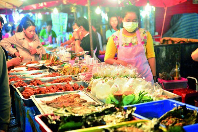 Chiang Mai street food — ABDUL RAHMAN