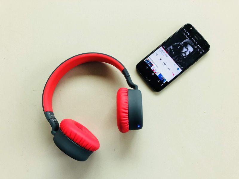 Boat Rockerz 430 bluetooth headphones