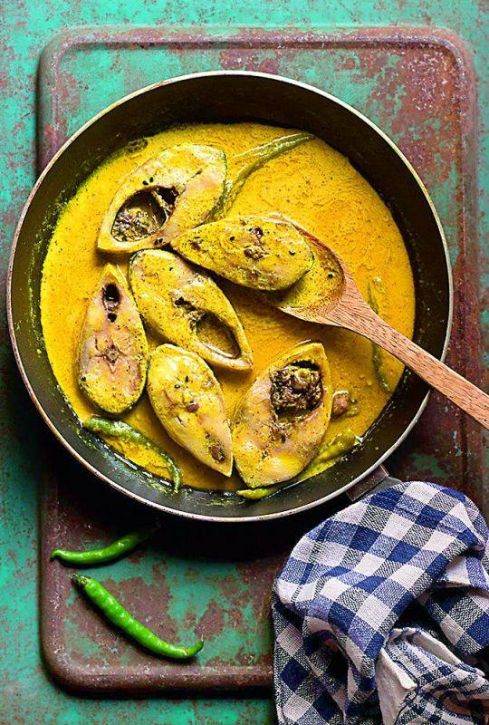 Steamed hilsa or bhapa ilish