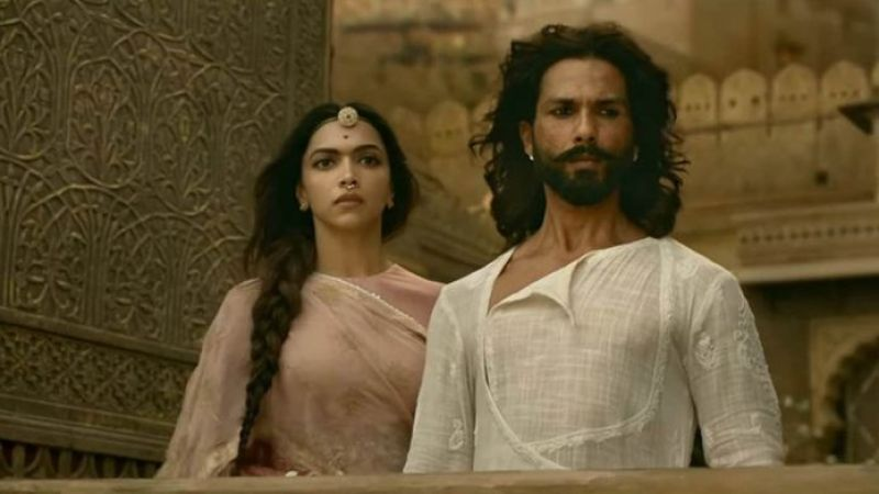 Deepika Padukone and Shahid Kapoor in the still from 'Padmaavat'.