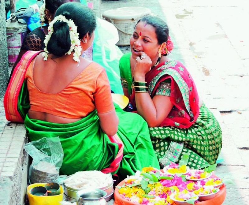 Women in conversation at the ghats of Nasik