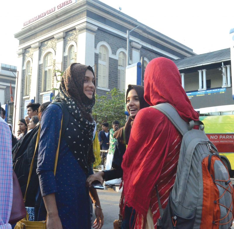 Medical students from Malappuram who have an examination on Tuesday wait for police bus in front of Thiruvananthapuram Central Railway station.
