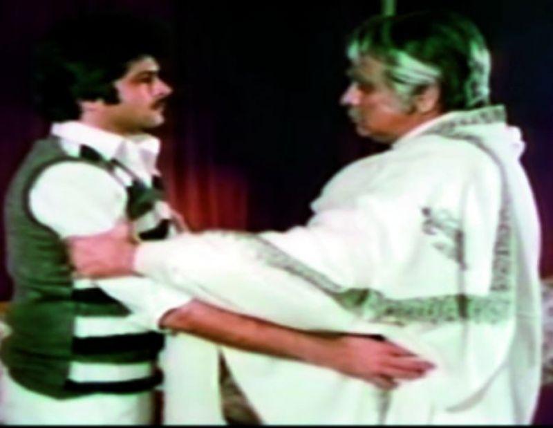 A still from the movie Shakti.