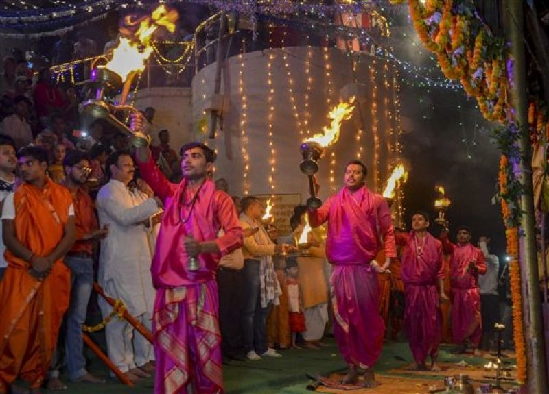 Hindu priests perform 'aarti' on the occasion of 'Ganga Dussehra', at Vindhyachal Dham, in Mirzapur. (PTI)