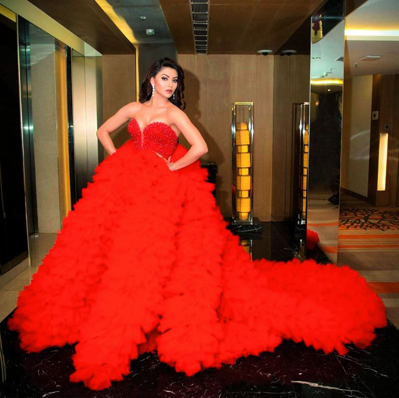 Apparently, the dress was over 25 kilograms in weight and cost Rs 20 lakhs.