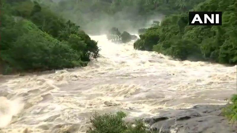 Latest visuals of Periyar river. (Photo: Twitter   ANI)