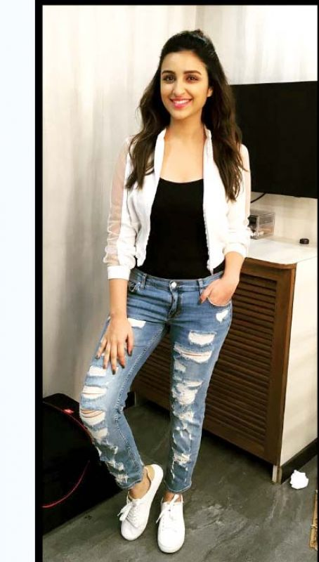 Ripped denims can never go out of vogue.