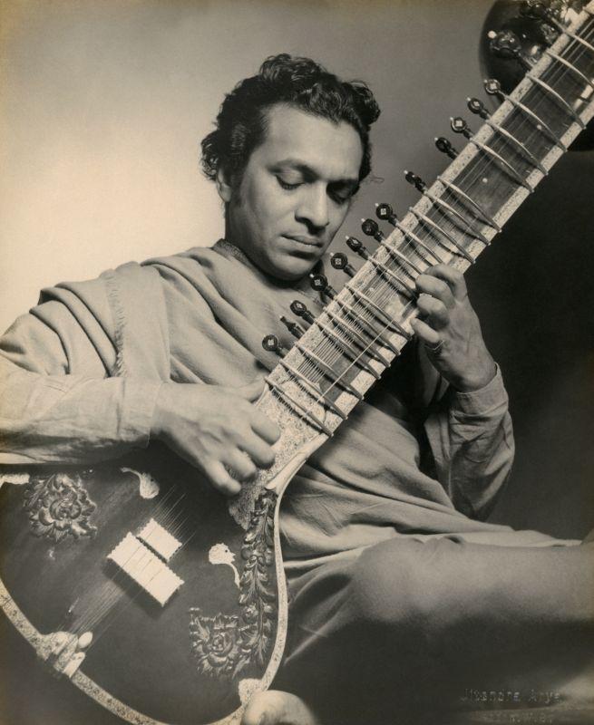 Pandit Ravi Shankar, Studio portrait in Chiswick, London, 1955 (Photo: Jitendra Arya/  Jitendra Arya Foundation)